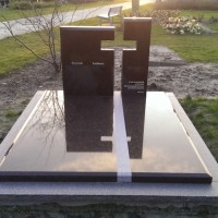 Dubbele grafstenen nr. D40 Gebr. Ridder Grafmonumenten Bovensmilde en Lutten Eden Groep