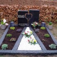 Dubbele grafstenen nr. D20 Gebr. Ridder Grafmonumenten Bovensmilde en Lutten Eden Groep