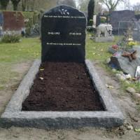 Enkele grafstenen E02 Gebr. Ridder Grafmonumenten Bovensmilde en Lutten Eden Groep
