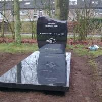 Enkele grafstenen E10 Gebr. Ridder Grafmonumenten Bovensmilde en Lutten Eden Groep