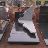 Enkele grafstenen E13 Gebr. Ridder Grafmonumenten Bovensmilde en Lutten Eden Groep