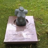 Urnmonument nr. U15 Gebr. Ridder Natuursteen Bovensmilde en Lutten Eden Groep