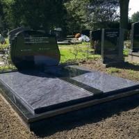 Dubbele grafstenen nr. D16 gebr. Ridder Grafmonumenten Bovensmilde en Lutten Eden Groep