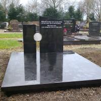 Dubbele grafstenen nr. D15 Gebr. Ridder Grafmonumenten Bovensmilde en Lutten Eden Groep