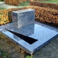 Dubbele grafstenen nr. D03, Gebr. Ridder Bovensmilde en Lutten Eden Groep