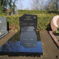 Enkele grafstenen E01 Gebr. Ridder Grafmonumenten Bovensmilde en Lutten Eden Groep